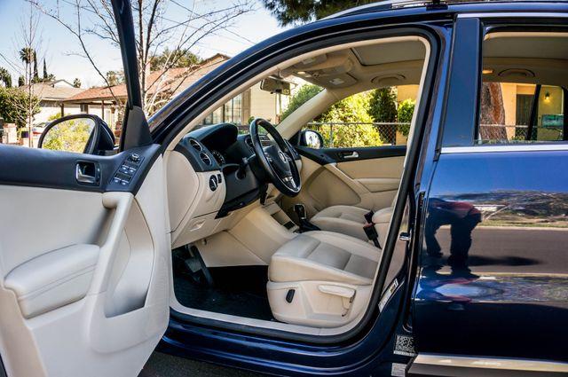 2012 Volkswagen Tiguan SEL w/Sunroof & Nav Reseda, CA 13