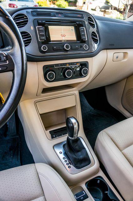 2012 Volkswagen Tiguan SEL w/Sunroof & Nav Reseda, CA 24