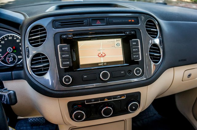 2012 Volkswagen Tiguan SEL w/Sunroof & Nav Reseda, CA 25