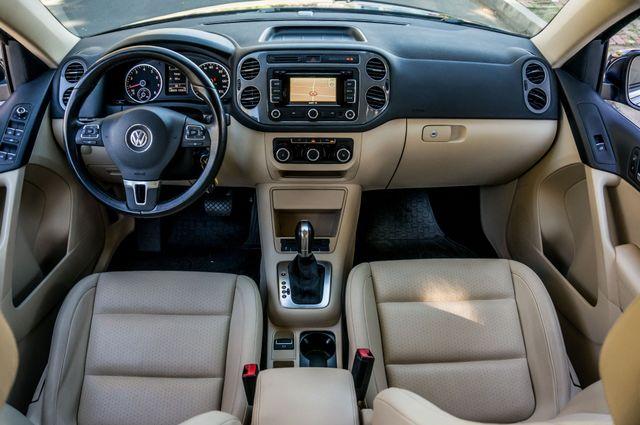 2012 Volkswagen Tiguan SEL w/Sunroof & Nav Reseda, CA 18