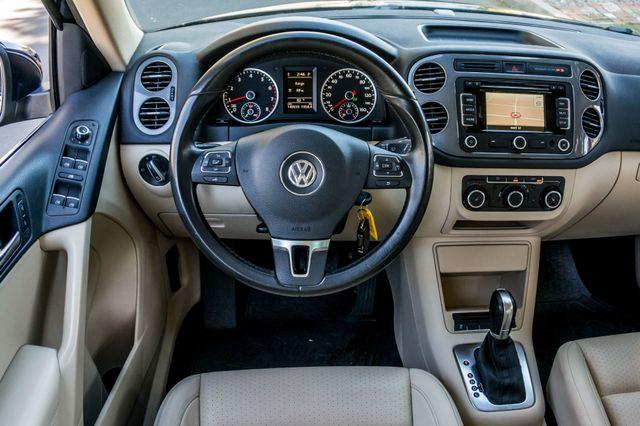 2012 Volkswagen Tiguan SEL w/Sunroof & Nav Reseda, CA 19
