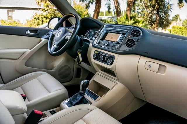2012 Volkswagen Tiguan SEL w/Sunroof & Nav Reseda, CA 33