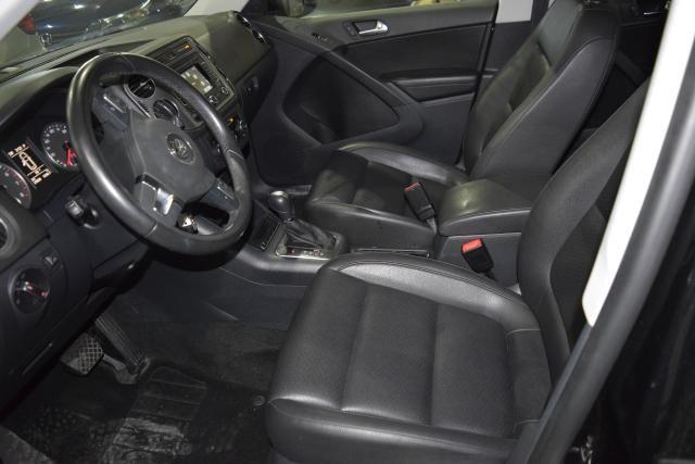 2012 Volkswagen Tiguan SE w/Sunroof & Nav Richmond Hill, New York 11