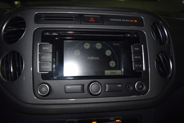 2012 Volkswagen Tiguan SE w/Sunroof & Nav Richmond Hill, New York 15