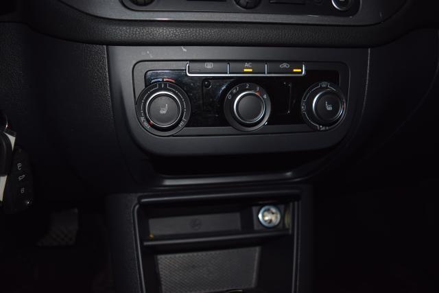 2012 Volkswagen Tiguan SE w/Sunroof & Nav Richmond Hill, New York 16