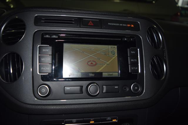 2012 Volkswagen Tiguan SE w/Sunroof & Nav Richmond Hill, New York 17