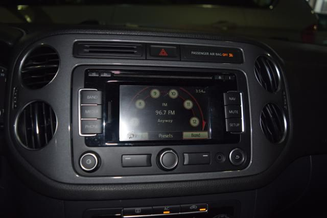 2012 Volkswagen Tiguan SE w/Sunroof & Nav Richmond Hill, New York 18