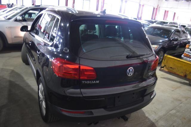 2012 Volkswagen Tiguan SE w/Sunroof & Nav Richmond Hill, New York 3