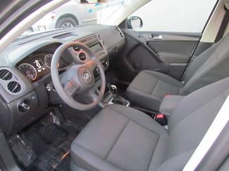 2012 Volkswagen Tiguan S Very Low Miles 50K Sacramento, CA 12