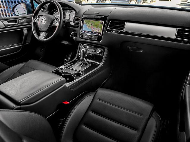 2012 Volkswagen Touareg Sport w/Nav Burbank, CA 8