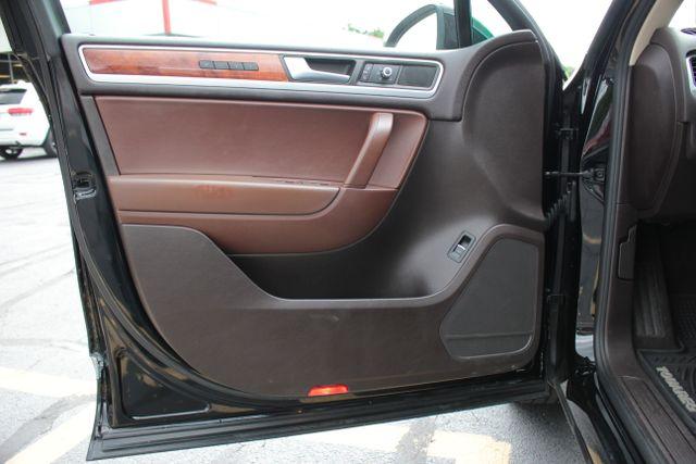 2012 Volkswagen Touareg Lux - Nav - Sunroof Mooresville , NC 8
