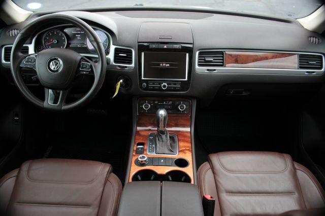 2012 Volkswagen Touareg Lux - Nav - Sunroof Mooresville , NC 11