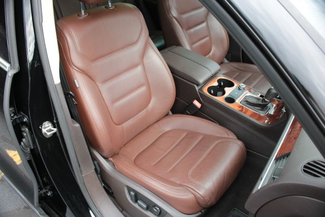 2012 Volkswagen Touareg Lux - Nav - Sunroof Mooresville , NC 19