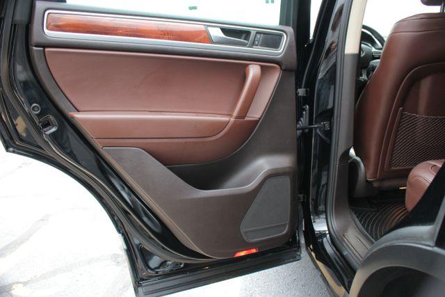 2012 Volkswagen Touareg Lux - Nav - Sunroof Mooresville , NC 20
