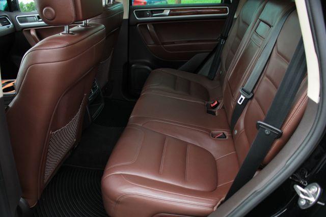 2012 Volkswagen Touareg Lux - Nav - Sunroof Mooresville , NC 21