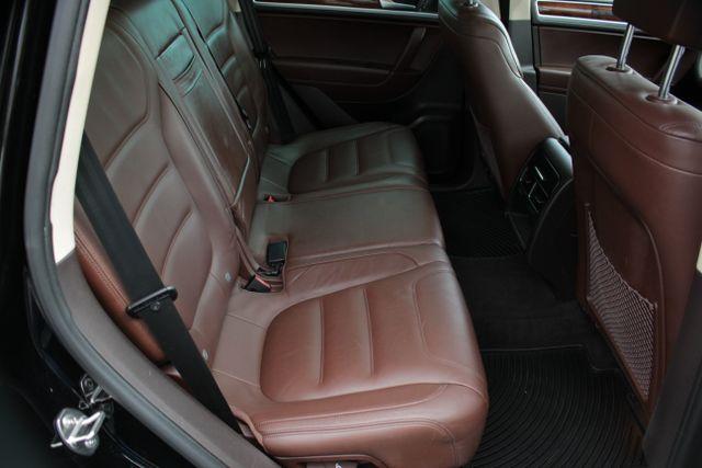 2012 Volkswagen Touareg Lux - Nav - Sunroof Mooresville , NC 23