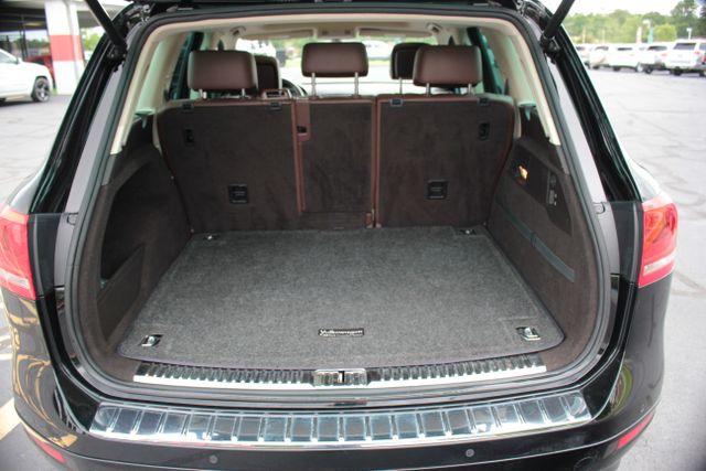 2012 Volkswagen Touareg Lux - Nav - Sunroof Mooresville , NC 25