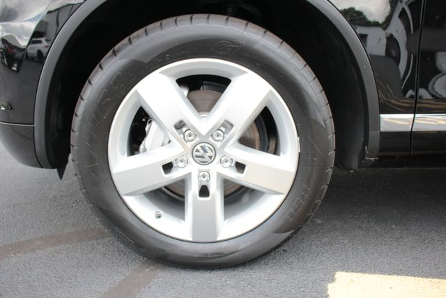 2012 Volkswagen Touareg Lux - Nav - Sunroof Mooresville , NC 28