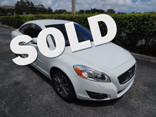 2012 Volvo C70 T5 CLEAN CARFAX PERFECT COLOR COMBINATIONGet excited about the 2012 Volvo
