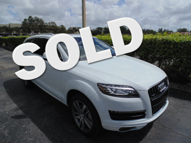 2013 Audi Q7 30T Premium Plus This 2013 AUDO Q7 30L AWD is a 1-owner non smoker Florida car