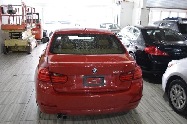 2013 BMW 328i 4dr Sdn 328i RWD Richmond Hill, New York 3