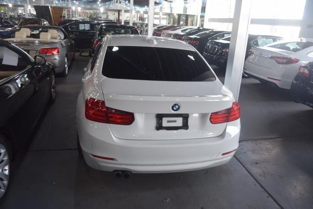 2013 BMW 328i xDrive 4dr Sdn 328i xDrive AWD SULEV South Africa Richmond Hill, New York 3