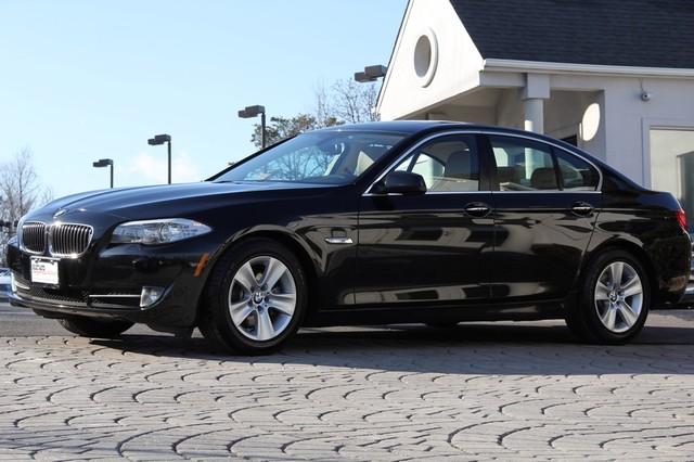 2013 BMW 5-Series AWD 528i xDrive 4dr Sedan AMFM CD Player Anti-Theft Sunroof AC Cruise Powe