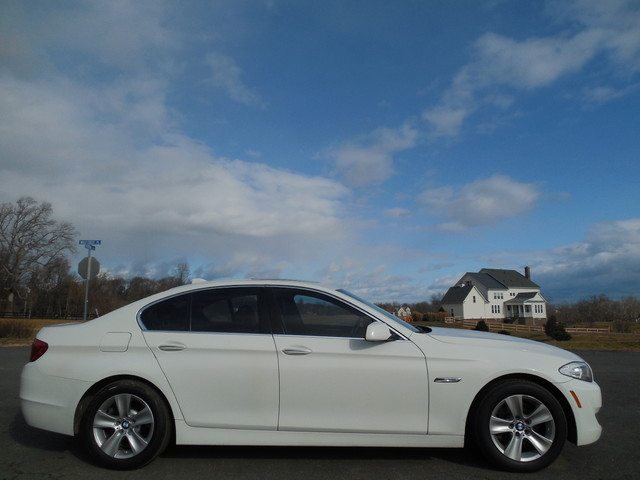 2013 BMW 528i xDrive Leesburg, Virginia 4