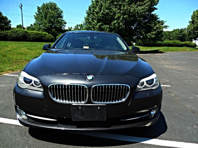2013 BMW 528i xDrive Leesburg, Virginia 6
