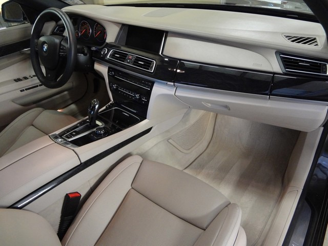 2013 BMW 750i Austin , Texas 24