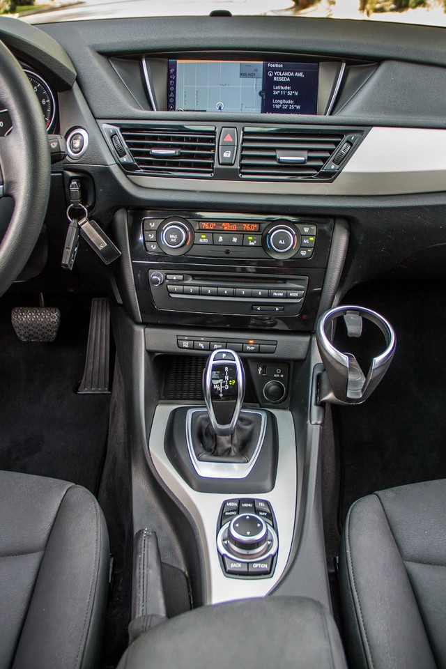 2013 BMW X1 28i AUTO - PREMIUM - PANORAMA - NAVI - 45K MILES Reseda, CA 23