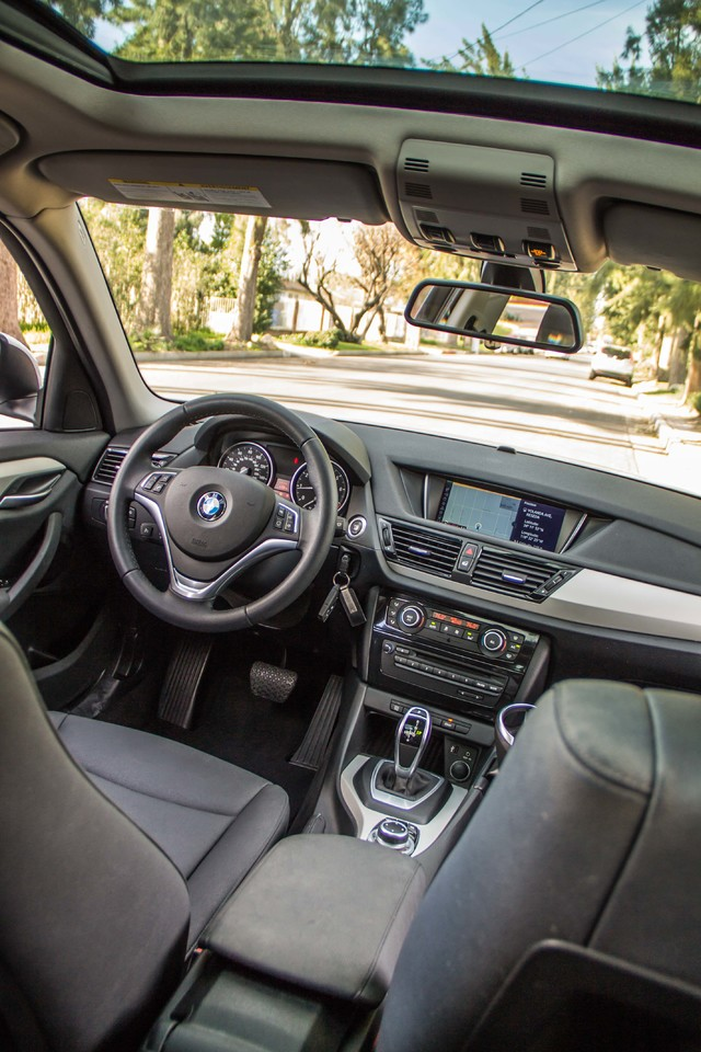 2013 BMW X1 28i AUTO - PREMIUM - PANORAMA - NAVI - 45K MILES Reseda, CA 36