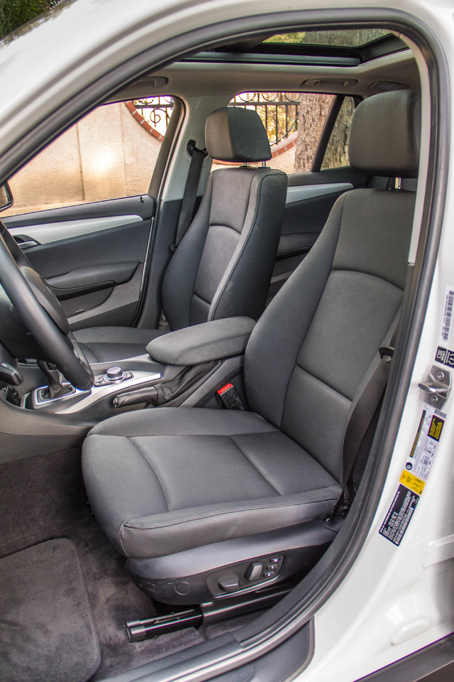 2013 BMW X1 28i AUTO - PREMIUM - PANORAMA - NAVI - 45K MILES Reseda, CA 29