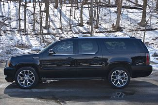 2013 Cadillac Escalade ESV Premium Naugatuck, Connecticut 1