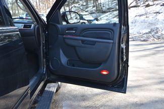 2013 Cadillac Escalade ESV Premium Naugatuck, Connecticut 8