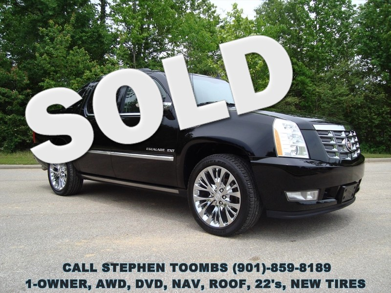 2013 Cadillac Escalade EXT PREMIUM, AWD, NAVI, ROOF, DVD, 1-OWNER in Memphis Tennessee