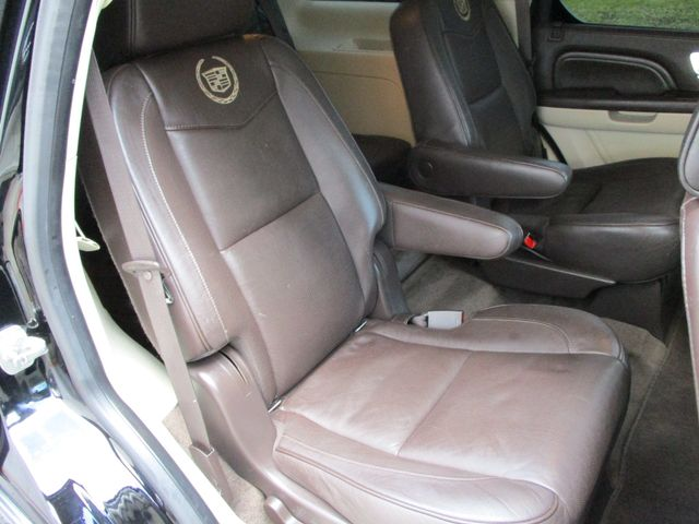 2013 Cadillac Escalade Platinum Edition Plano, Texas 19