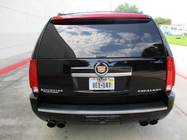 2013 Cadillac Escalade Platinum Edition Plano, Texas 3