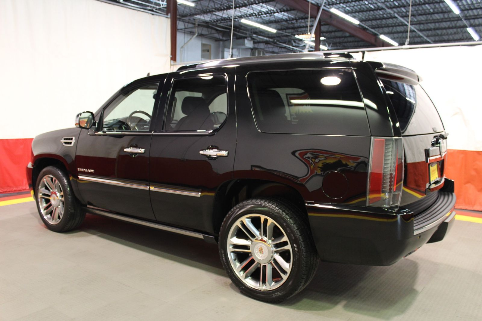 centered escalade premium shot ext large awd dash pickup wide research groovecar cadillac