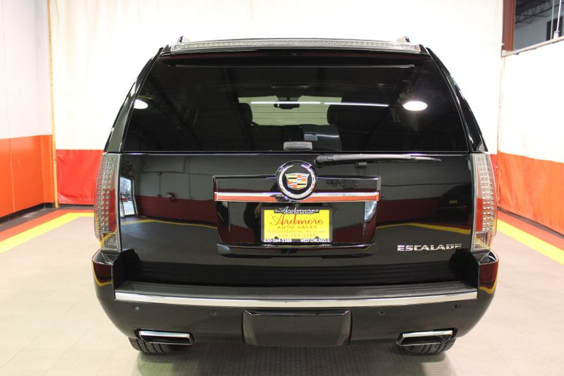 2013 Cadillac Escalade Premium  city Illinois  Ardmore Auto Sales  in West Chicago, Illinois