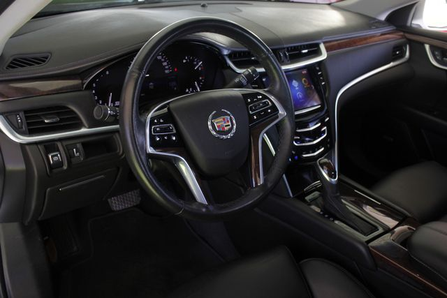 2013 Cadillac XTS Professional Luxury AWD - NAVIGATION - HEATED/COOLED LEATHER! Mooresville , NC 28