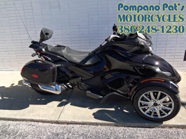 2013 Can-Am™ Spyder ST Daytona Beach, FL 0