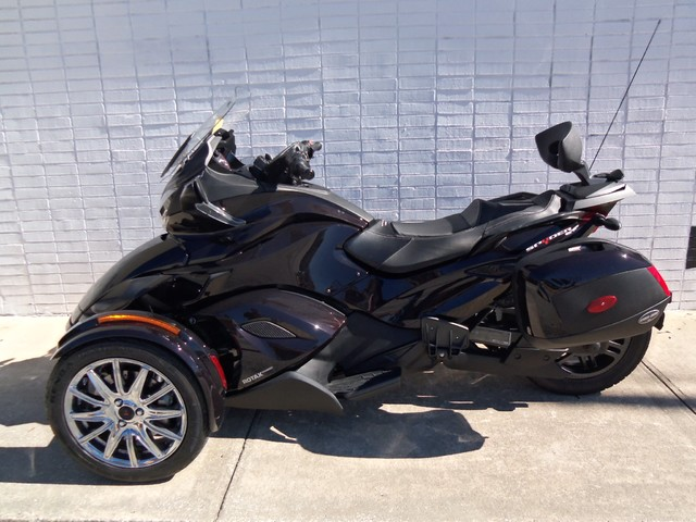 2013 Can-Am™ Spyder ST Daytona Beach, FL 1