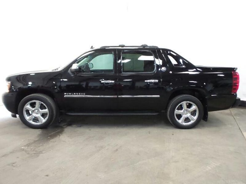 2013 Chevrolet Black Diamond Avalanche LTZ  in Victoria, MN