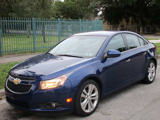 2013 Chevrolet Cruze LTZ Come and visit us at oceanautosalescom for our expanded inventoryThis o