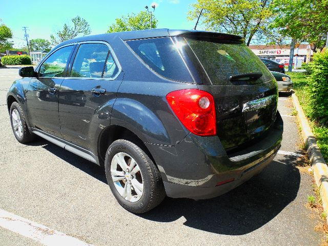 2013 Chevrolet Equinox LS Leesburg, Virginia 3