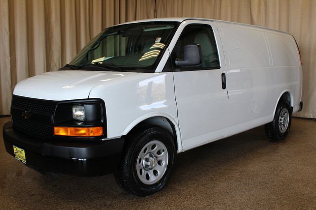 2013 Chevrolet Express Cargo Van AWD AWD Roscoe, Illinois 3