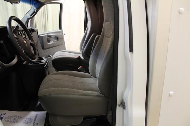 2013 Chevrolet Express Commercial Cutaway cutaway van Roscoe, Illinois 16