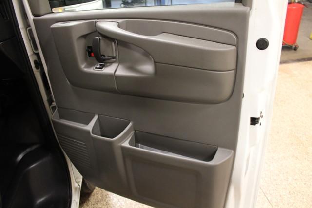 2013 Chevrolet Express Commercial Cutaway cutaway van Roscoe, Illinois 18