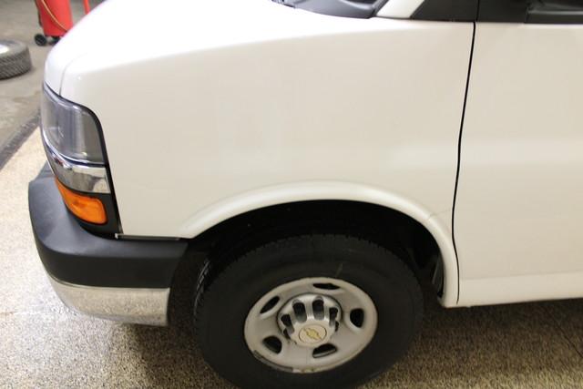 2013 Chevrolet Express Commercial Cutaway cutaway van Roscoe, Illinois 5